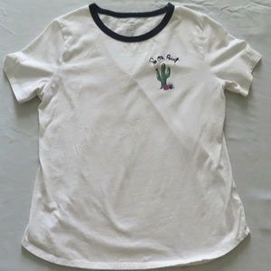 Old Navy Everyday Tee Stitched Graphic EUC!